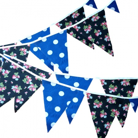 Bunting - Strawberry & Blue Dots - 12 Flags - 10 ft length ( 3 metres)